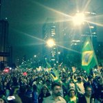Essa a manifestação de hoje em São Paulo, pró-Aécio, PRÓ-BRASIL! #Aecio45PeloBrasil http://t.co/LkQojxxoNP