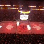 RT @penguins: Some things are bigger than hockey. Tonight Pens fans sang along with the Canadian anthem: http://t.co/oVUE5ApNnx http://t.co/MAkXsWNaQR