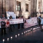 RT @WikipoliticaJal: Vivos se los llevaron, vivos los queremos y vivos están entre nosotros #AyotzinapaSomosTodos #Guadalajara http://t.co/SVNOR3hS3g
