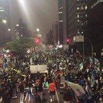 RT @digestivo: São Paulo, Avenida Faria Lima. - Agora - manifestação espontânea pró-Aécio http://t.co/PZbgfkBfid