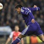 RT @Jarm21: FOTO - Andy Najar remata de cabeza para anotar el 1-0 de Anderlecht sobre Arsenal. Historico. #Honduras #UCL http://t.co/lQTXAP9Mnz
