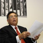 RT @laudelaguarimba: @eliaspino @LilianaOrtegaM Carlos Ramírez responde a Leopoldo López sobre Const http://t.co/G92NMzFdbmhttp://t.co/KJVEq69egl