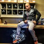 #Focus @juan_perez24 prepares for #WorldSeries Game 2 First Pitch 5:07pm #SFGiants #OctoberTogether http://t.co/xXO76SfT6P