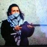 ????URGENT CANADA Un compte lié à lÉtat islamique fait circuler une photo de Michael Zehaf-Bibeau, le suspect abattu http://t.co/Y9abEgZQxI