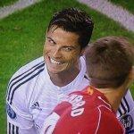 RT @LeBuzzEurosport: Pas de record pour ce soir pour Cristiano #Ronaldo… mais un beau sourire ! #LIVRMA http://t.co/LHcygYitHX