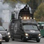 RT @JornalOGlobo: Darth Vader em campanha pelas ruas de Kiev, na Ucrânia. O lorde dos Sith é candidato ao parlamento. Foto: AP http://t.co/7QX8yiQAVB