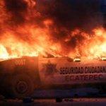 """No solo en #Guerrero/ Patrullas quemadas y saqueos, protestas por inseguridad en #Ecatepec http://t.co/hQv1HBa5xh http://t.co/1tCN8CVefK"""""""
