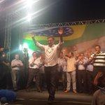 RT @AecioNeves: Aécio na Praça Estação, em Belo Horizonte.#AécioPeloBR45sil http://t.co/G3LtJz295j