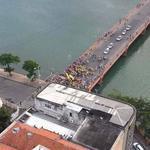 Ato pró-Aécio, bastante divulgado nas redes sociais. Hoje, em Recife. Recife com Aécio #SQN | #13rasilTodoComDilma http://t.co/pWK1iWEoHi