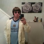 Listens to wonderwall once http://t.co/SsGCUaGJp3