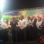 RT @AecioNeves: Lideranças políticas, amigos, artistas e famíliares acompanham Aécio em BH.#AécioPeloBR45sil http://t.co/o8RY3soK0O