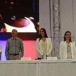 """RT """"@JuanManSantos felicita a @PaulaGaviriaB y a la @UnidadVictimas por su gestión y compromiso con las victimas http://t.co/IOup5qlKVy"""""""