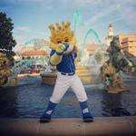 RT @KCMOParks: #Royals Slugger at #KCParks JC Nichols Fountain #bluefountains #kctrueblue #TakeTheCrown #WorldSeries2014 http://t.co/NTkrnbD4Dz