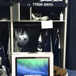 RT @dallascowboys: DeMarco Murray Gives Back To O-Line Starters With Locker Room Gifts http://t.co/hVxbETizym http://t.co/n5Gp8jl3tw