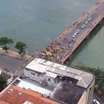 Caminhada de apoio ao Aécio X Caminhada de apoio a Mim em Pernambuco! #AecioLotusTour #13rasilTodoComDILMA ❤️ http://t.co/N0gzvACS3J