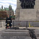 RT @HuffPostCanada: Heartbreaking photo shows fallen soldier Nathan Cirillo just moments before shooting http://t.co/MbS4rd45iV http://t.co/uc0jNXoN0b