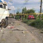 RT @Trafico_ZMG: Dos muertos y cuatro heridos graves en este fuerte choque, aquí los detalles http://t.co/x3bKXi0kKr http://t.co/JmN537zqrD