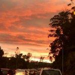 MT @BCVs70 Atardece en #Quito con tráfico pero por lo menos estos colores #QuitoVigila http://t.co/mSEapVY2rf