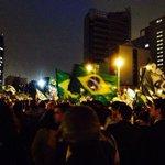 RT @Rede45: Outra foto no Largo do Batata, em São Paulo. O Brasil clama por Aécio @AecioNeves! #AecioPeloBR45IL http://t.co/y9LlkeGgio