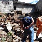 Visita verificación casa afectada por deslizamiento ctoAtanquez. @PrensaVpar @CarlosCespdes @FredysSocarrasR http://t.co/vlmgcufvu7