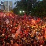 RT @jtpimentel: Vejam a diferença. Isso sim é uma passeata! #13rasilTodoComDilma @dilmabr @AecioNeves http://t.co/bLBKG7mY3I