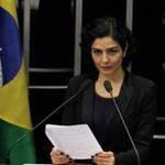 RT @DCM_online: Letícia Sabatella pede que Facebook tire do ar vídeo sugerindo que ela votaria em Aécio. http://t.co/nc2RIbvAkf http://t.co/IHigYdd5ID