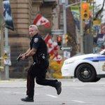 Fusillade à Ottawa: Le suspect numéro un serait un Canadien converti à lislam http://t.co/q3j61ZeyKs http://t.co/PuaIFVTyBL