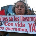 En marcha por #TodosSomosAyotzinapa demandan aparición con vida de 43 normalistas http://t.co/oF4aq6tWZ8