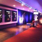 RT @CinemasNic: Estamos en los preparativos para la premier de ANNABELLE esta noche en Cinemas Galerías con @VOSTV #TengoMiedo. http://t.co/3r7ZTKTSUA