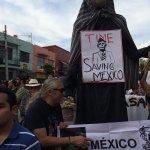 """@Revolucion3_0: Desde #Guadalajara, Jalisco las muestras de apoyo no paran http://t.co/ltCOhLe83Q #43ConVida http://t.co/dqfP5CPg33"""