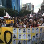 RT @Pajaropolitico: Contingente de la @ibero_mx en la protesta #AyotzinapaSomosTodos. http://t.co/bfIJxQbJR0