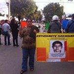 #Alinstante Apunto de salir marcha convocada por @SECCIONXXII en apoyo a la familia del normalista oaxaqueño #Oaxaca http://t.co/XWWNxNj7pu