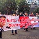 RT @cencos: Peña Nieto: si no vienen con vida, queremos tu salida #AyotzinapaSomosTodos #AccionGlobalAyotzinapa http://t.co/cFGkEvNpU7