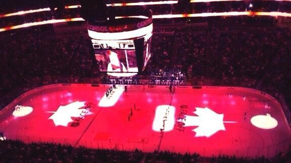 Pittsburgh Penguins pay respects to Canada by playing Oh Canada prior to game vs Flyers. @penguins   http://t.co/PkWJx9ssw6