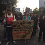 """RT @masde131: Jóvenes: """"Nos quieren enterrar pero se les olvida que somos semilla ¡Ayotzinapa vive!"""" #AccionGlobalAyotzinapa http://t.co/EhhWFqEnhk"""