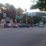 Integrantes de la #Sección59 desbloquean cruceros de la capital #Oaxaca #twitteroax http://t.co/Sdz8CfR9KC