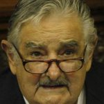"""Mujica dice que """"a los que les gusta mucho la plata hay que correrlos de la política"""" @JC_Varela @rmartinelli http://t.co/Gna3SLnn5Y"""