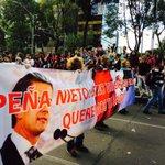 """RT @OR_Karen: Oye @EPN te tenemos un mensaje: """"Si no vienen con vida, queremos tu salida"""" #AyotzinapaSomosTodos #EPNBringThemBack http://t.co/k9oB97a0qH"""
