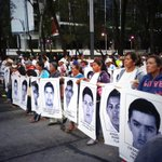 A estas madres y padres de #43normalistas debes responder @EPN. Si no puedes renuncia! http://t.co/8jGUWsfVGR #EPNBringThemBack Se suman cRT