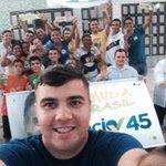 Caminhando com a juventude hoje a tarde pelas ruas do grande Santo Antônio. A vitória @HenriqueEAlves @AecioNeves http://t.co/3WtdtYDpTM