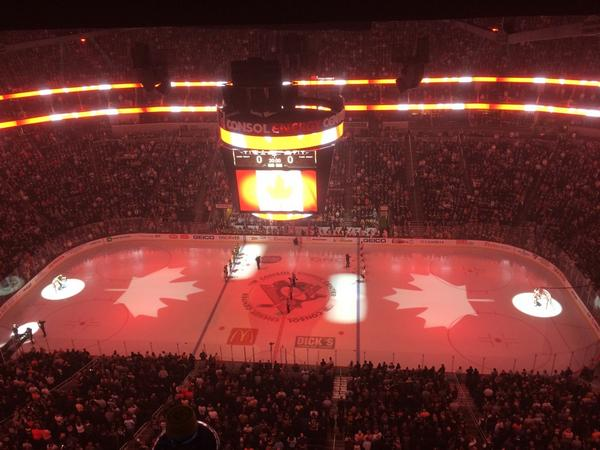 "The crowd at @CONSOLEnergyCtr sang ""O Canada"" prior to the start of #Pens #Flyers http://t.co/bs6HUxOtN4"