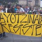 #AyotzinapaSomosTodos #Ayotzinapa resiste... Marcha x los 43 desaparecidos desde Guadalajara http://t.co/3nyLmEURr8