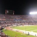 RT @JuanGDENIS: La Hinchada de River Plate en el estadio Monumental. @Futbol780 @780AM http://t.co/9ao7S2HKbZ