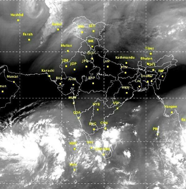 Sat image showing this morning, system over Arabian sea, Eastern coast. Heavy rain in Chennai. #weather #monsoon http://t.co/m125aBJeT1