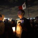 RT @lajornadaonline: #BitácoraFotos. Una luz por #Ayotzinapa. Imágenes de una #AccionGlobalAyotzinapa http://t.co/uN2KWgyIbU http://t.co/vRq6PsWNm3