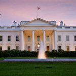 RT @Telegraph: White House in lockdown after intruder scales fence http://t.co/jv5ITZpJE0 http://t.co/AgZeSa9ye3