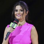 #SelenaGomez heats up 'We Day Vancouver' with this hot pink dress! http://t.co/KXxRRWLWoF