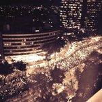 Cientos de miles, el zócalo lleno y todavía hay gente que sigue saliendo del Ángel, Ríos de gente #EPNBringThemBack http://t.co/Xu2PGSfC8h