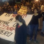 RT @escalerakint: Estudiantes toman el puente internacional Cordova en apoyo a los normalistas desaparecidos en Ayotzinapa. @kint_tv http://t.co/RCfQWZ05M0