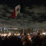 RT @ClaudiaLizaldi: México de pie, México DESPIERTO México con hambre de justicia porque #AyotzinapaSomosTodos TODOS. http://t.co/FnuEOk9vl5